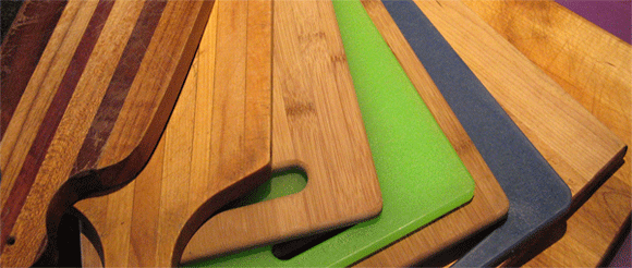 is there any advantage of a wooden cutting board over a plastic cutting board