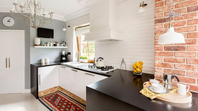 Tricks To Create An Airy Illusion from A Small Kitchen